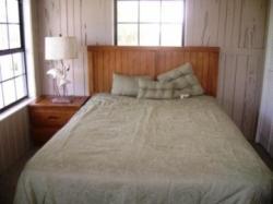 16_bedroom1